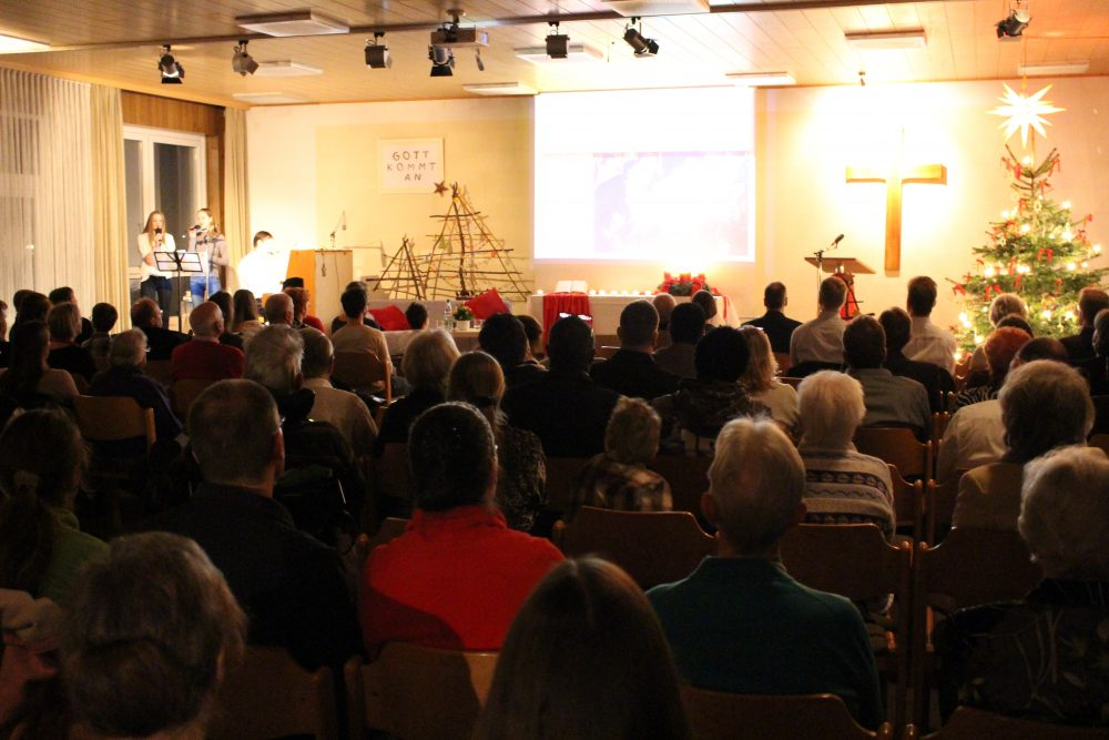 Live-Video-Gottesdienst parallel im Gemeindesaal - per Zoom ab 10.15 Uhr und gleichzeitig KiGo-Online - zuschalten mit angegebenen links s.o.